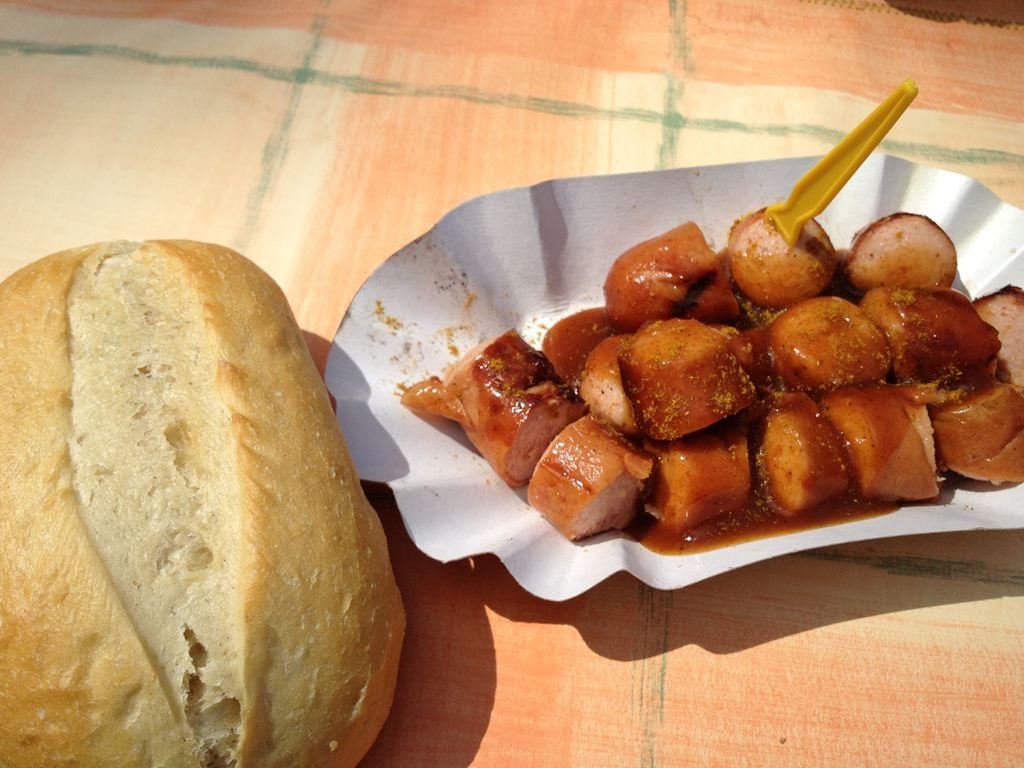 ドイツの屋台で食べたカレーヴルスト ホットドッグがウマすぎてワロタw