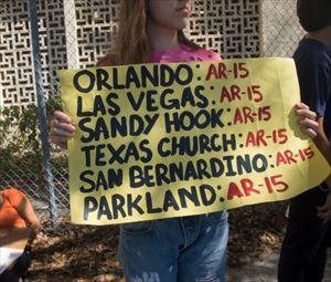 モーリー・ロバートソン アメリカ銃規制派学生と全米ライフル協会の対立を語る
