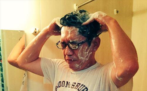 ずん・飯尾和樹 夏場のストレス解消法「服を着たまま水風呂」を語る
