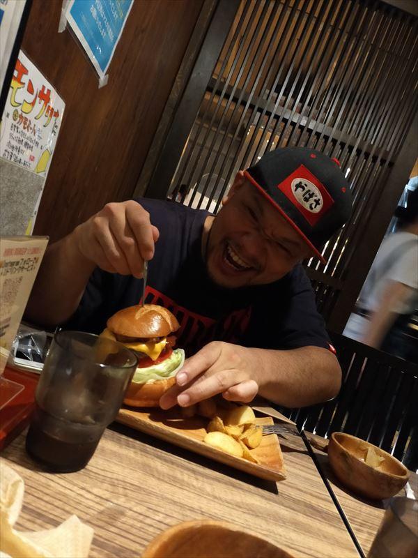 プロハンバーガーインタビュー写真